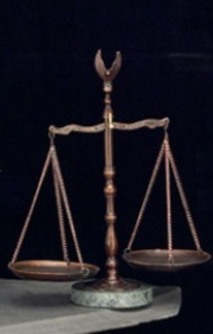 Bronze Scale Of Justice - BB80 - Bronzed scale of Justice w/ Eagle Finial on a Marble Base, Engraveable